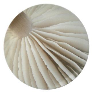 Placa de las papadas de la seta plato de comida