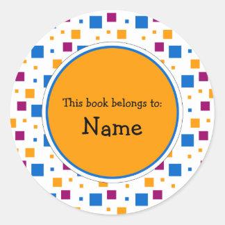 Placa de libro con diseño lindo de los cuadrados pegatina redonda