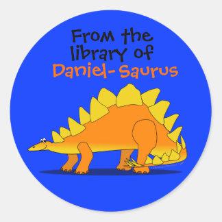 Placa de libro conocida de encargo del dinosaurio pegatina redonda