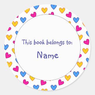 Placa de libro - diseño colorido del corazón pegatina redonda