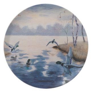 Placa de los patos silvestres del otoño plato de cena