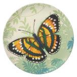 Placa de mariposa tropical del amarillo de la sol platos de comidas