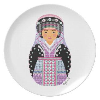 Placa de Matryoshka del chica de Hmong Plato De Cena