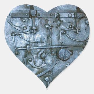 Placa de metal medieval pegatina en forma de corazón