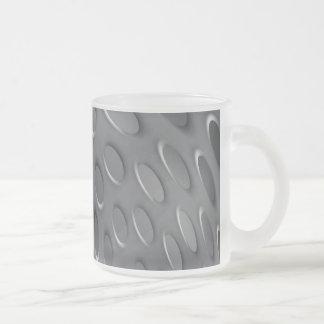 Placa de metal torcida taza cristal mate