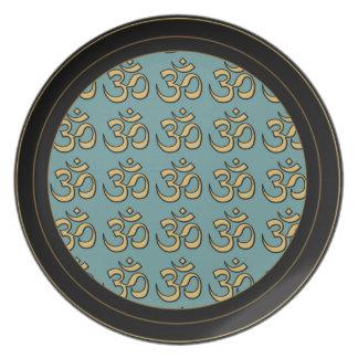 Placa de OM - escoja su color de fondo Platos