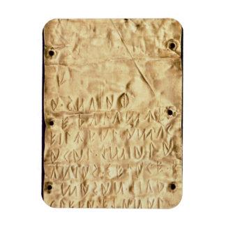 """Placa de oro con la """"breve"""" inscripción de Etrusca Imán"""