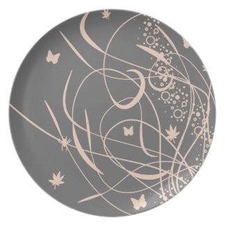 Placa decorativa de las mariposas elegantes plato