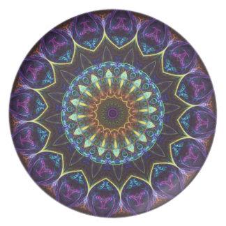 Placa decorativa del caleidoscopio floral violeta plato de comida