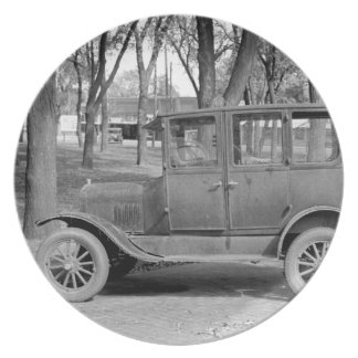 Placa del coche antiguo plato de cena