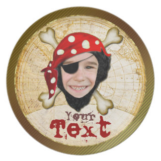Placa del cumpleaños del muchacho del pirata plato