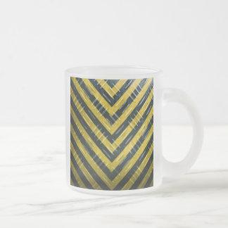 Placa del diamante de la raya del peligro taza de café esmerilada