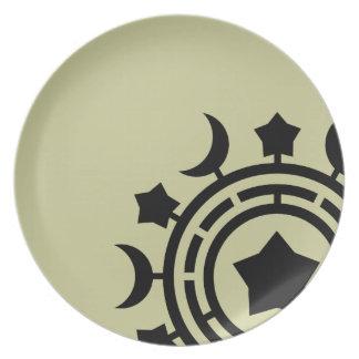 Placa del diseño de las lunas y de las estrellas platos para fiestas