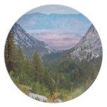 Placa del rastro del Mt. Whitney por la sabana del Plato
