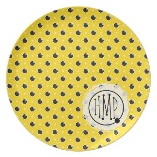 Placa descarada del monograma del lunar - amarillo plato para fiesta