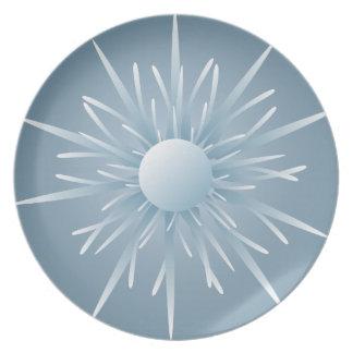 Placa extranjera azul de la forma de vida de la es platos de comidas