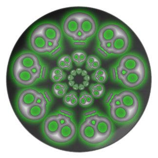 Placa extranjera de plata fantasmagórica de los platos
