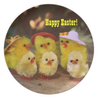 Placa feliz de Pascua de los pollos lindos de Pasc Plato De Cena