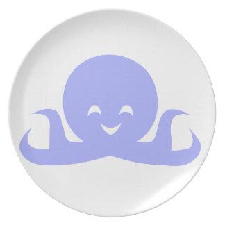 Placa feliz del pulpo plato de cena