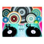Placa giratoria de DJ con el vinilo - arte pop Postal
