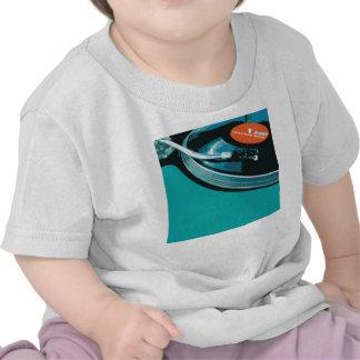 Placa giratoria de la música del vinilo camisetas