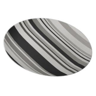 Placa gris negra de las rayas de los modelos del v plato para fiesta