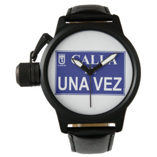 Placa humorística de calle de Madrid Relojes De Mano