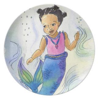 Placa negra de la princesa de la sirena para los c platos de comidas