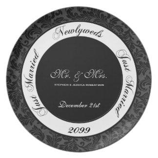 Placa negra y blanca del boda del damasco platos de comidas