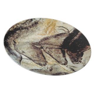 Placa prehistórica de la pintura de cuevas platos de comidas