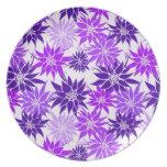Placa púrpura de las flores platos