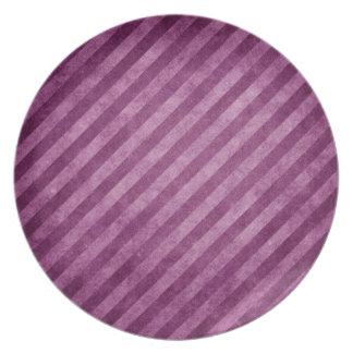 Placa rayada magenta rosada púrpura de la raya del plato de cena