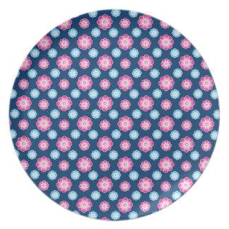 Placa retra rosada del estampado de plores plato de cena