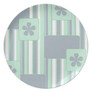 Placa retra verde del modelo plato de comida