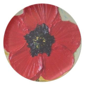 Placa roja de la amapola plato de comida
