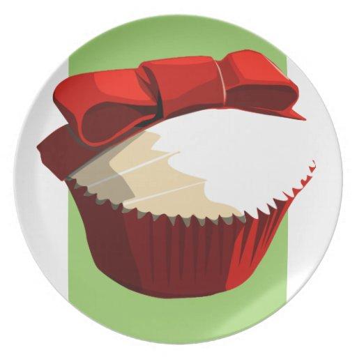 Placa roja de la magdalena del terciopelo plato de cena