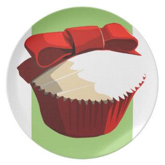 Placa roja de la magdalena del terciopelo platos para fiestas