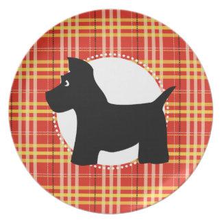 Placa roja de la tela escocesa del perro del escoc plato para fiesta