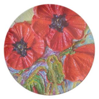 Placa roja de las amapolas platos de comidas