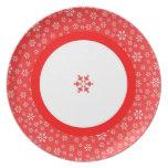 Placa roja y blanca de los copos de nieve plato para fiesta