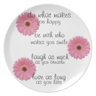 placa rosada de la flor plato