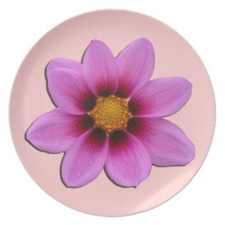 Placa rosada de la flor plato de comida