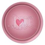 Placa rosada del el día de San Valentín del amor Plato