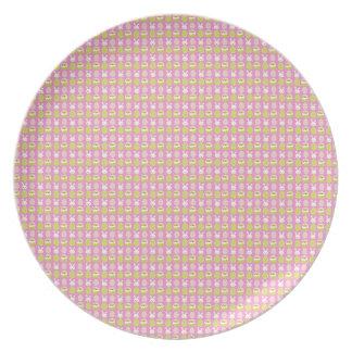 Placa rosada linda de Pascua Plato De Cena