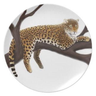 Placa salvaje de relajación del leopardo plato