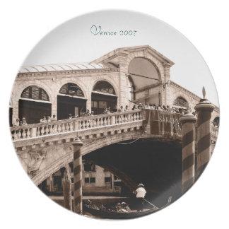 Placa - sepia del puente de Rialto Platos Para Fiestas