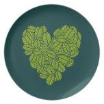 Placa verde del corazón platos