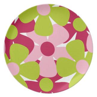 Placa verde y rosada de las flores plato de cena
