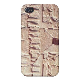 Placa votiva que representa una escena de ofrecimi iPhone 4 fundas