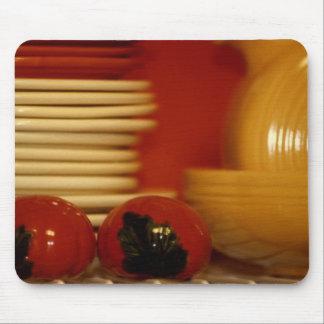 Placas apiladas fiesta con el tomate S&P Tapetes De Ratones